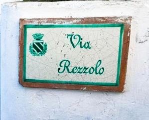 Entrée de la rue Via Rezzolo